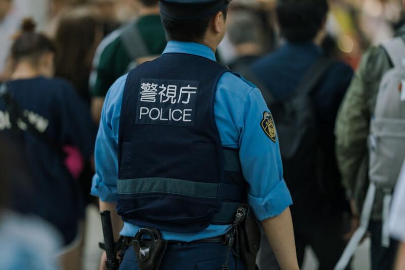 風俗店を警察が摘発。居合わせた客は逮捕される?【事例もあり】