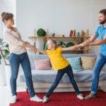 離婚後、子供を引き取る権利|親権を理解する2つのポイントとは?