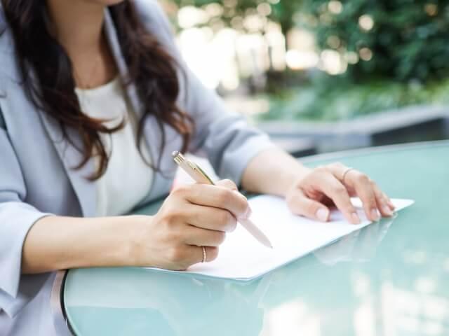 離婚届受理証明書とは?いつもらえる?郵送や代理人請求は可能?