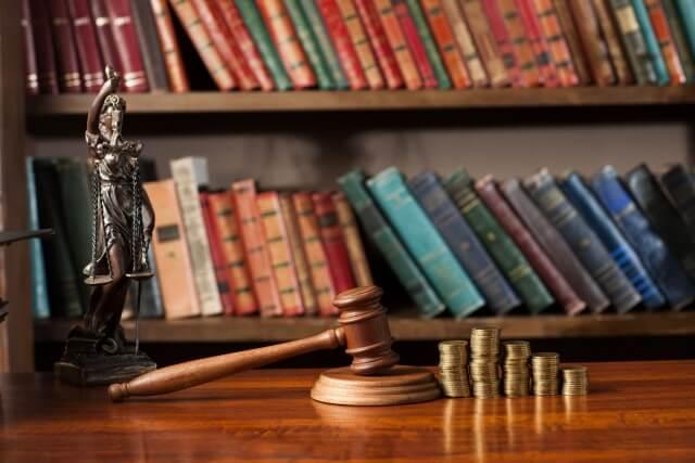 離婚裁判の弁護士費用、訴訟費用はいくら?相手に請求できる?