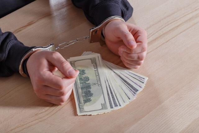競馬詐欺の5つの逮捕ニュースを弁護士が見た場合の詐欺のポイント