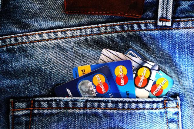 自己破産するとクレジットカード利用不可!新規作成までの期間とは
