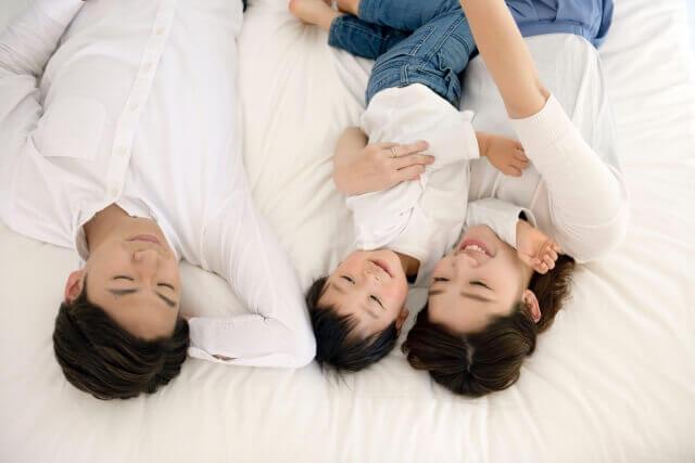 相続人の遺留分を減らしたいとき、養子縁組は役に立つ?注意点も解説